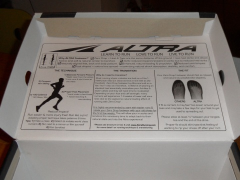 Altra - The Instinct - box with instructions